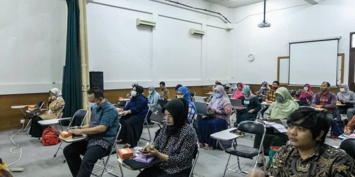 Pelatihan Penyusunan Proposal Pengabdian Masyarakat & Optimalisasi Publikasi