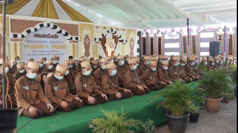 Khatamkan Al-Qur'an Setahun Minimal Dua Kali